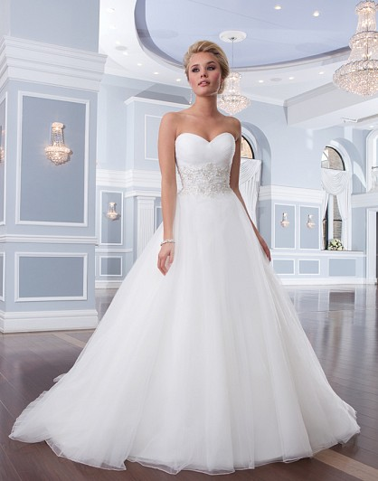wholesale dealer 13951 9f1a8 Lillian West 6303 - Matrimonio Magazine